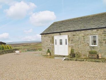 Foxes Den, Holmfirth. Property Reference: RSS2. Sleeps 4 and 2 pets. 2 and 7 night availability. More info: http://bit.ly/1lRLmIl.