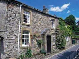 Theatre Cottage, Grassington. Property Reference: DC2214. Sleeps 6. 7 nights available from 4 July. More info: http://bit.ly/1wsORHc.