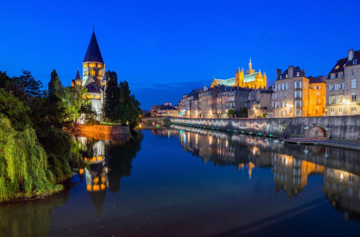 Metz at night