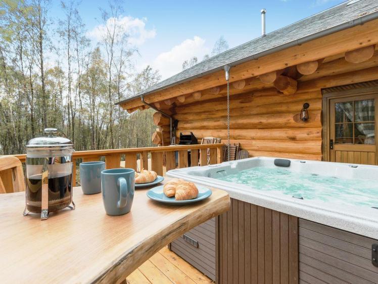 caledonian cabin